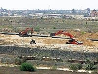 Работы по возведению водной преграды на границе Египта и Газы. Сентябрь 2015 года