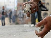 В Иорданской долине неизвестные забросали камнями пассажирский автобус