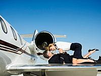 Опрос: стюарды и стюардессы занимаются в полете сексом, предпочитая коллег пассажирам