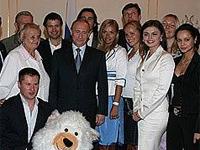 Владимир Путин во время встречи со спортсменами в 2007 году