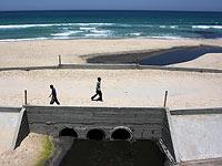 Сточные воды на побережье Газы