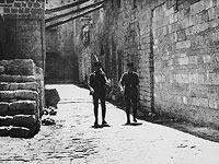Британские солдаты в Иерусалиме во время визита лорда Бальфура, 2 апреля 1925 года